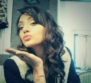 Soni Singh Kiss