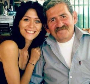 Hazal Turesan dan ayahnya
