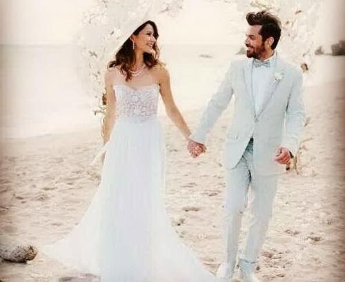 Beren Saat And her husband Kenan Dogulu – Dizaz