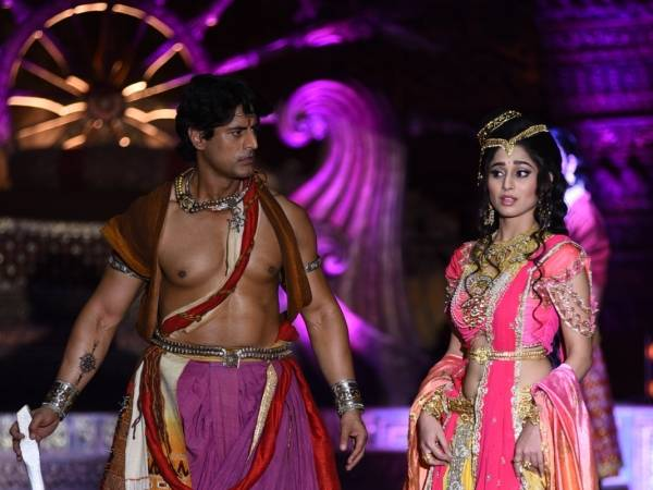 Mohit Raina Ashoka dan Soumya Seth Kaurwaki