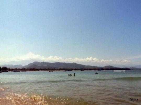 Pantai Yang Asyik Untuk Berendam